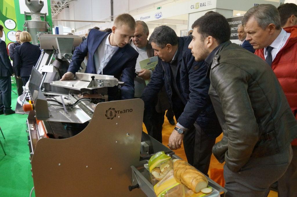 Хлеборезательная машина «Агро-Слайсер» на выставке АгроПродМаш